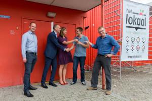 Het Lokaal krijgt de sleutel van hun nieuwe pand in De Nieuwe Stad. Fotograaf: Het Lokaal